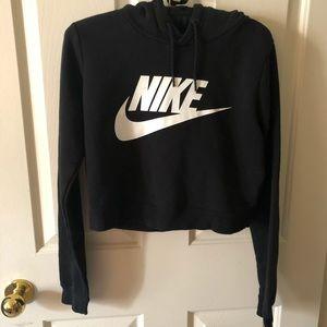Cropped Nike hoodie